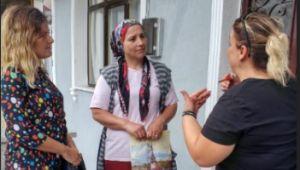 AK Partili kadınlar ev ev geziyor