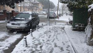 Silivri'de kar yağışı etkili olmaya başladı