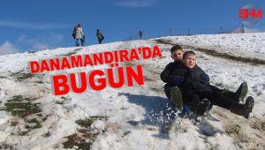 Çocuklar kar sevincini kayarak yaşadılar