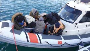Silivri Limanı'na kayıtlı tekne göçmen taşırken yakalandı