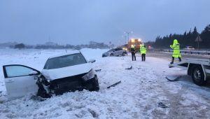 Buzlu yolda zincirleme kaza