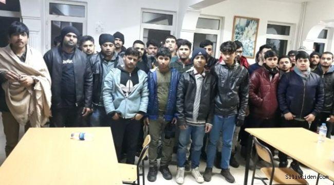 Kaçak Göçmenlere Organizatörlük Yapan 4 Kişi Tutuklandı