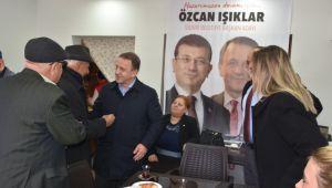 Seçim İrtibat Bürosu'nda hemşerileri ile buluştu