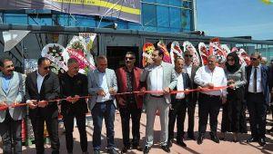 AY1 Hipermarketleri görkemli bir törenle açıldı
