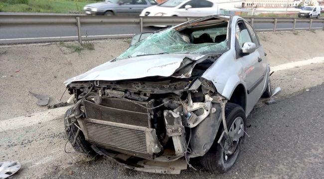 Silivri'de kontrolünü kaybeden araç takla attı: 3 yaralı