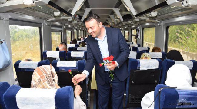 Kurfallı'da duran trenin ilk yolcusu