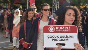 Silivri Sahili'nde mezuniyet coşkusu