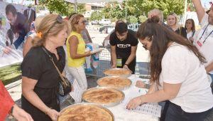 Silivri'de börekler yarıştı