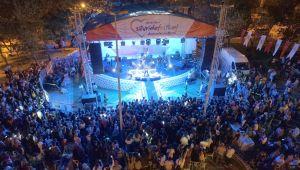 Silivri'de coşkulu domates festivali