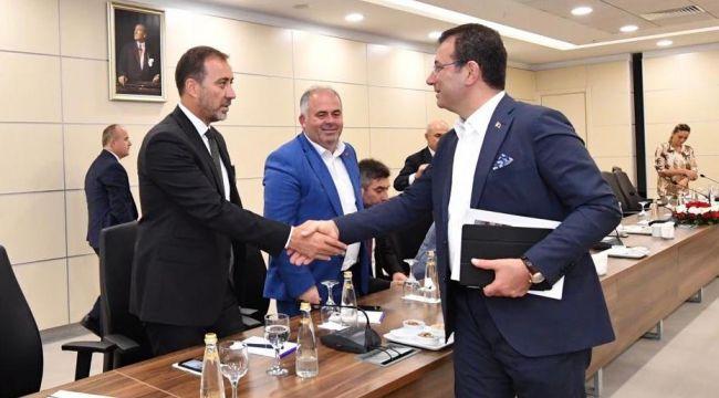 Başkan Yılmaz, belediye başkanları toplantısına katıldı