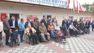 Engelli bireylere akülü ve tekerlekli sandalye desteği