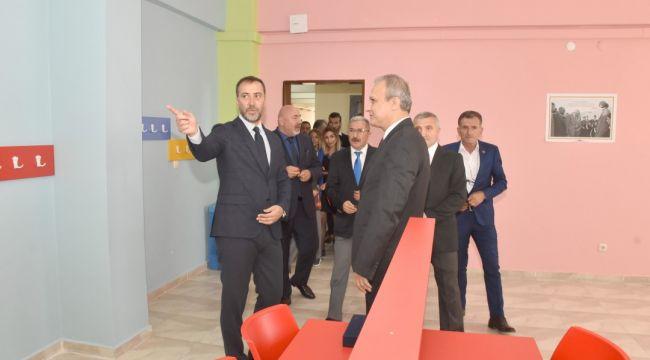 Kadıköy İlk ve Ortaokulu'na yeni kütüphane