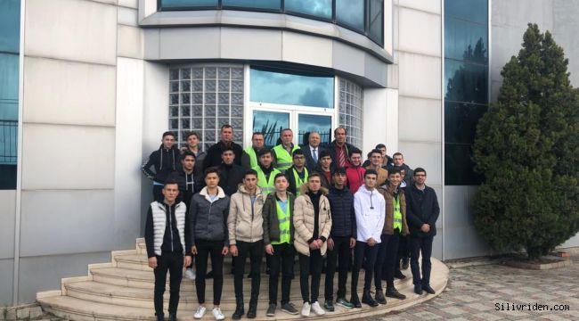 Öğrenciler, fabrika da ilk derslerini Çağ Kabara'da yaptı