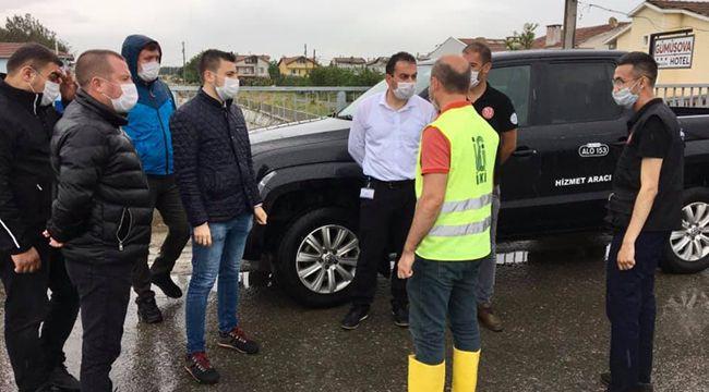 Esen, yağış sonrası vatandaşların sorunlarını dinledi