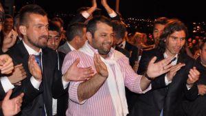 Mustafa Saral tarih yazmaya devam ediyor