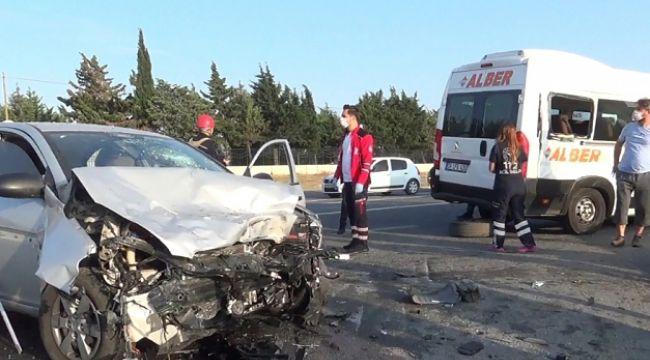 İşçileri taşıyan servis kaza yaptı: 2'si ağır 8 yaralı