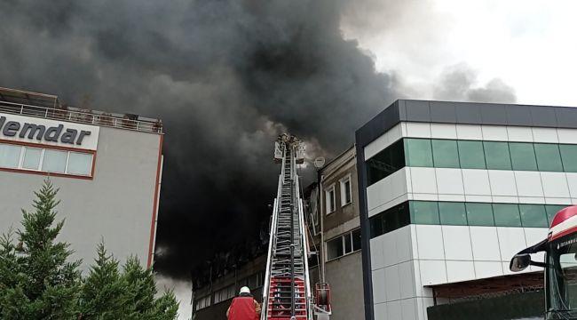 Silivri'de fabrika yangını: 4 yaralı