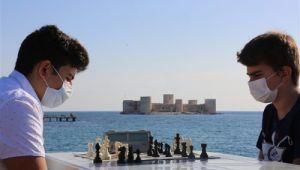 Satranç, Tarih ile Sporu buluşturdu