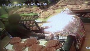 Silivri'de hırsız sadaka kutusunu çaldı