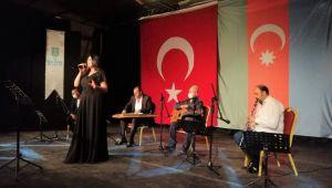Vidadiqızı şarkılarını Azerbaycan-Türkiye kardeşliği için seslendirdi