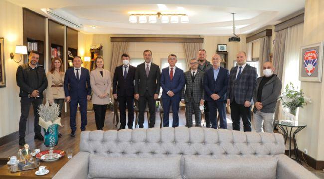 Kırcaali Belediye Başkanı Hazan Aziz, Silivri'de destek turlarında