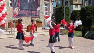 Silivri'de miniklerin 23 Nisan coşkusu