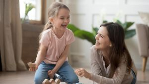 Ebeveynler çocuklarını hangi cümlelerle takdir etmeli?