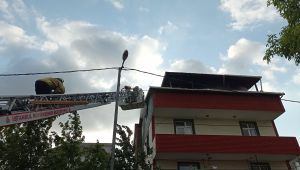 Silivri'de 4 katlı binanın çatısında çıkan yangın korkuttu