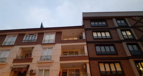 Silivri'de 4. kattan düşen yaşlı kadın hayatını kaybetti